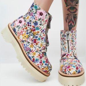 Dr. Martens Sinclair Wanderlust Platform Boots
